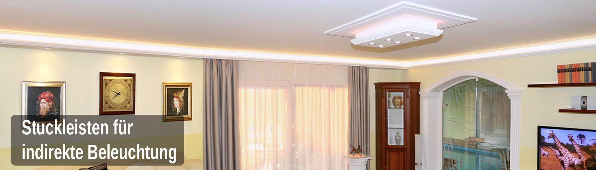 indirekte Beleuchtung mit Styroporstuck im Wohnzimmer