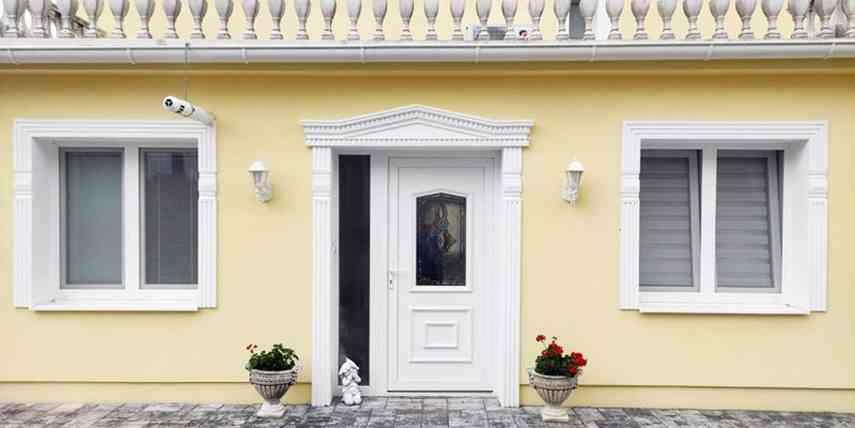 Außenfassade mit Fassadenstuck gestalten