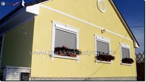 Diverse Stuckmuster an Hausfassade - Fassadengestaltung klassisch