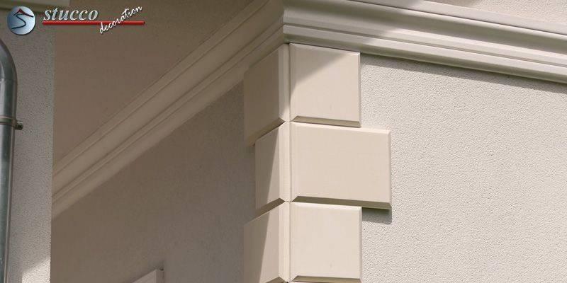 Bossenplatten mit schrägen Kanten am Hauseck