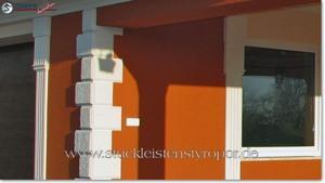Bossensteine in Lederrollen-Optik zum Schutz der Hausfassade