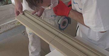 Fassadenprofil mit Winkelschleifer schneiden