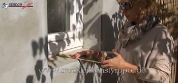 Laibungstiefe am verputzten Fenster ausmessen