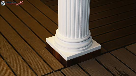 Säulenfuß aus Styropor