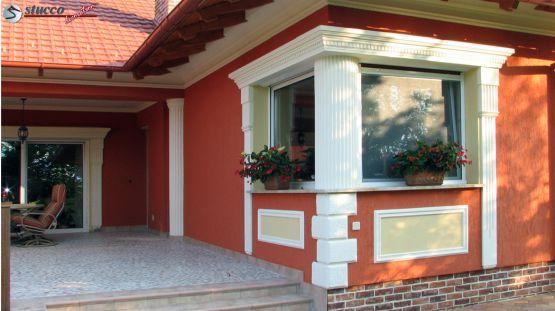 Fassade mit Bossensteinen