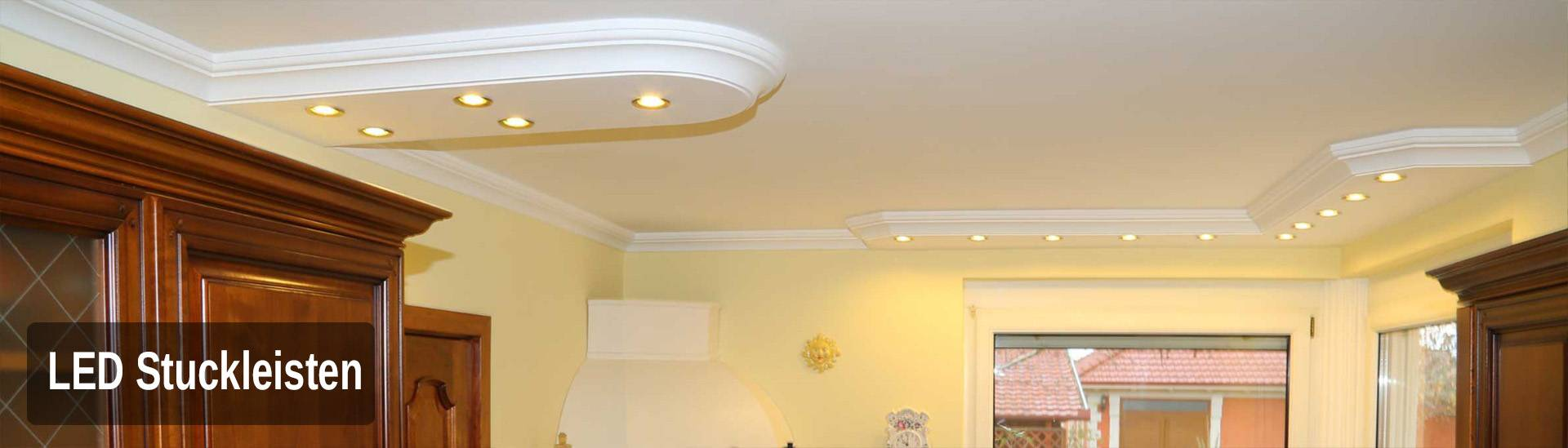 LED Spot Beleuchtung mit Stuckleisten in der Küche