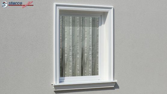 Fensterumrandung mit Stuck