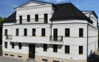 Stoßfeste Fassadenprofile und Gesimse