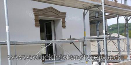 Fassadenstuck anbringen